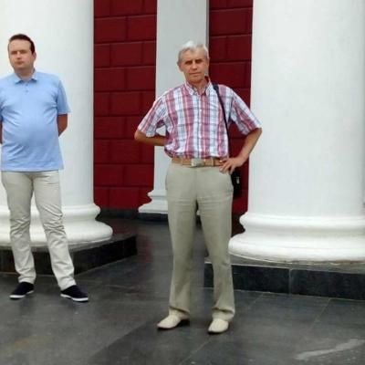 ruhivske-more-idej-ta-praporiv-nakrylo-odesu-i-napovnylo-yiyi-chornovolivskym-duhom-12