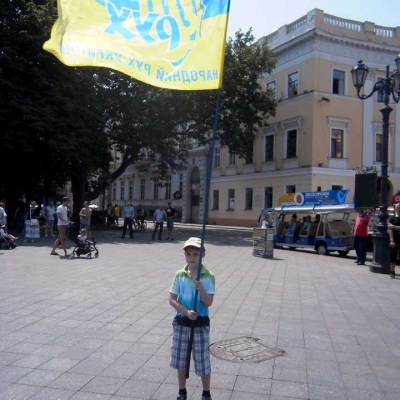 ruhivske-more-idej-ta-praporiv-nakrylo-odesu-i-napovnylo-yiyi-chornovolivskym-duhom-2