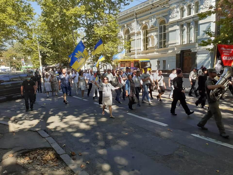 24-serpnya-vidbulas-tradytsijna-urochysta-hoda-vulytsyamy-mykolayeva-2