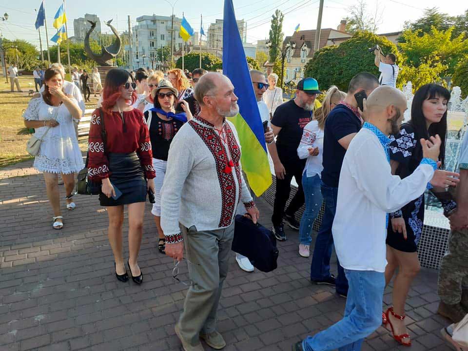 z-nagody-29-richnytsi-nezalezhnosti-ukrayiny-vidbuvsya-mykolayevi-tradytsijnyj-marsh-vyshyvanok-7